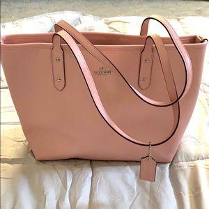 New Coach Tote Bag w/ Zipper lock